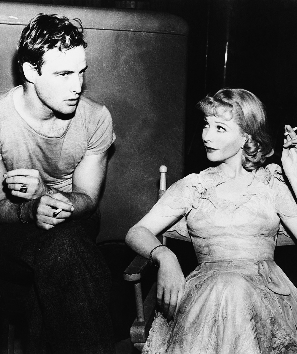 vivien-olivier:  Marlon Brando and Vivien Leigh on the set of A Streetcar named Desire, 1951