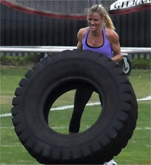 "This is a great shot of Cameron Diaz working out. ""Exercise for me is like eating, sleeping, and breathing."" — Cameron Diaz"