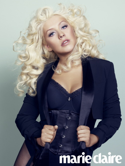 popfiddle:  Christina Aguilera: Being Single is Difficult