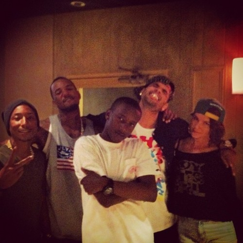 kcnvrmnd:  gohgaogh all i saw was pharrell before i even noticed christopher's silly ass omg YASSSSS   I lovee chris goofy self!!