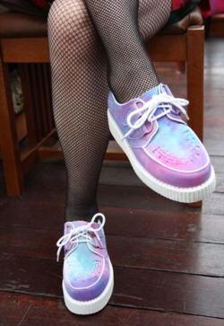 pink-v0mit:  these have to be the best shoes in the world