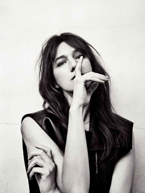Charlotte Gainsbourg  Musique. Art du silence. Music. Art of silence.