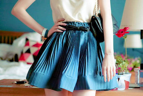 Like both skirt & that shade of blue!