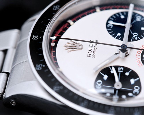 We Love The Smooth White Dial Of This #Vintage #Rolex #Daytona - #Race  watchedout:  Daytona Classic