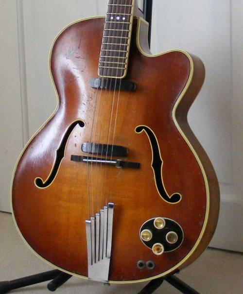 Hofner President Electric Archtop 1956-1971Spruce, Maple, Mahogany, Rosewood Another superb Hofner. The President Electric was a variant of the acoustic model of the same name, which started off in 1953. It is easily recognized by its triple dot inlays and single cutaway (venetian or florentine). Early models had black bar pickups (pictured). Hear it Photo from Vintagehofner