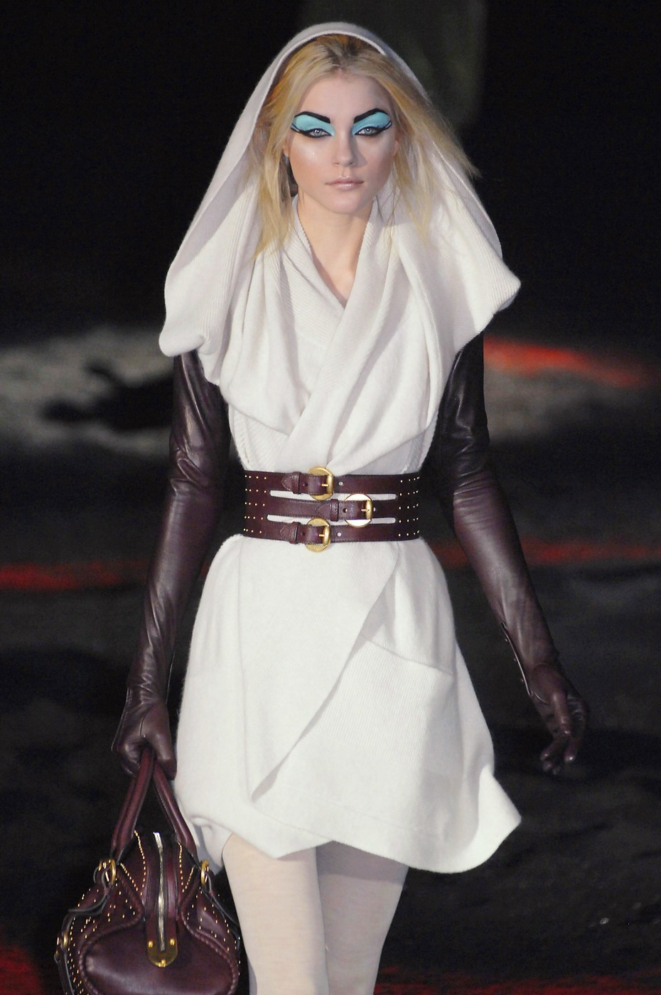 game-of-style:  Arya Stark - Alexander McQueen fall 2007