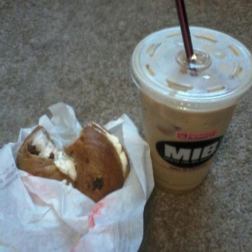 finally got brkfast #DunkinDonuts #latte #BagelnCreamcheese #Foodie #delish #IRunOnDunkin  (Taken with instagram)