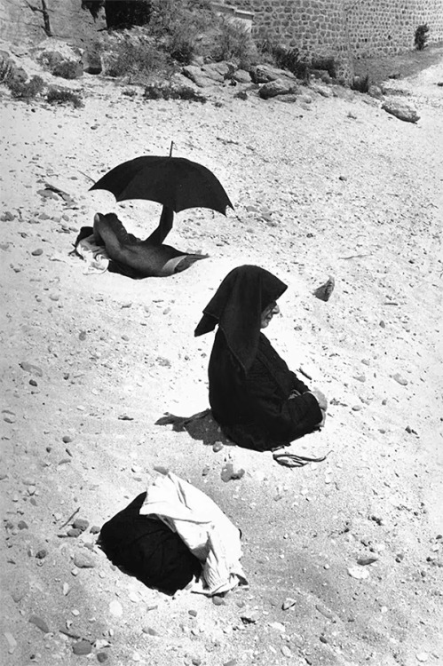 wonderfulambiguity:  Henri Cartier-Bresson, Sardinia, 1963