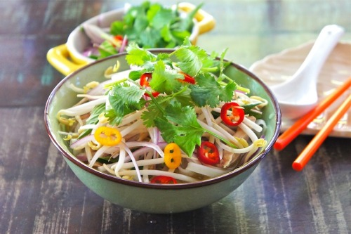 (via Seasaltwithfood: Pho Ga~Chicken Noodle Soup)