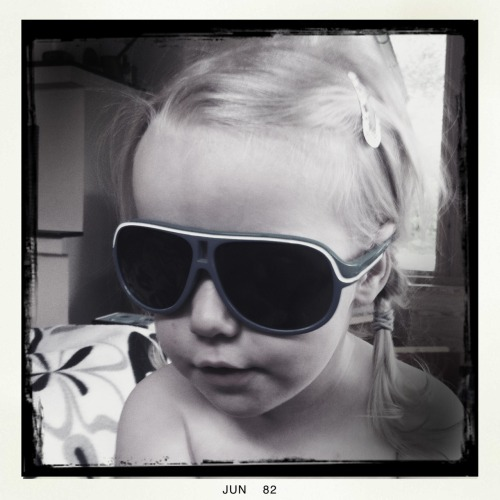 Cool Cat.  Helga Viking Lins, BlacKeys B+W Film, No Blixt, Tagen med Hipstamatic