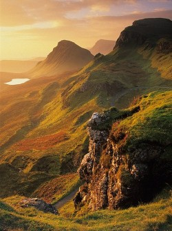 bluepueblo:   Isle of Skye, Scotland photo via geology