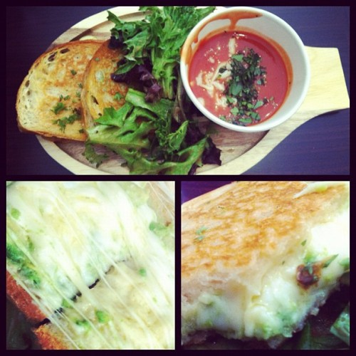 #Heywood #Silverlake #GrilledCheese. This is amazing!!!  (Taken with instagram)
