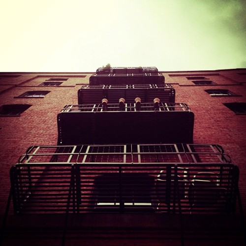 #lookingup #apartment #architecture #architexture #brick #balcony #portland #oregon #pearldistrict #picfx  (Taken with Instagram at Pearl District)