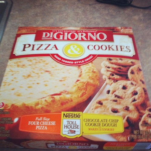 DINNERRRR #pizzaandcookies (Taken with instagram)