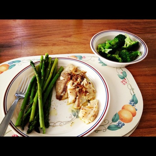 Pan-seared tilapia, asparagus, and steamed broccoli. #dinner (Taken with instagram)
