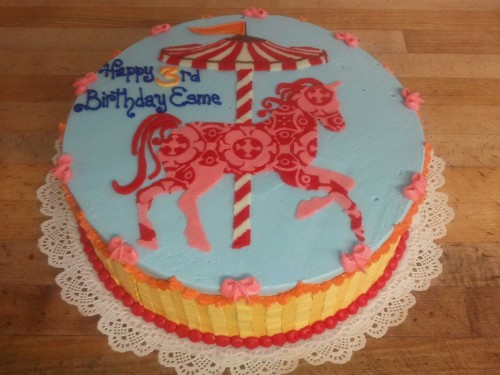 Pony cake!  Merry Go Round party time.
