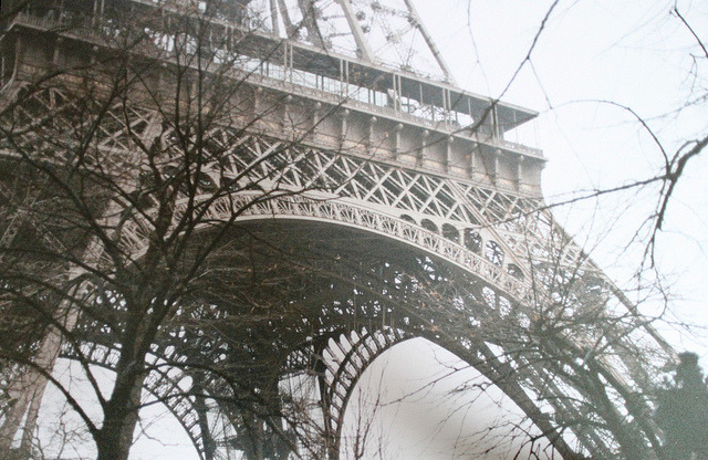the eiffel tower by clean teeth on Flickr.
