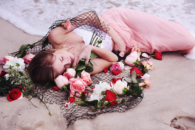 awildhope:  sand and thorns by Emily Tebbetts on Flickr.