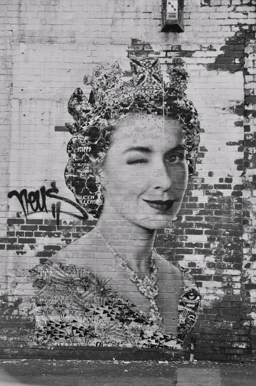 iwelcomeyoutomychaos:  Happy Diamond Jubilee!!  Street art in Dublin in time for Her Majesty's Diamond Jubilee