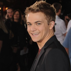 9 Favorite Pictures of Hunter Hayes