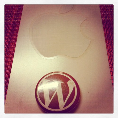 Apple Sticker & Wordpress Pin #instagramer #instagramhub #webstagram #audreyisms #photooftheday #iphoneography  (Taken with instagram)