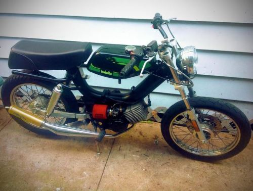 My Tomos Streetmate, now with seat and tank from a 1998 Jawa Babetta Sport bolted on. Hipster moped shit, f'real.