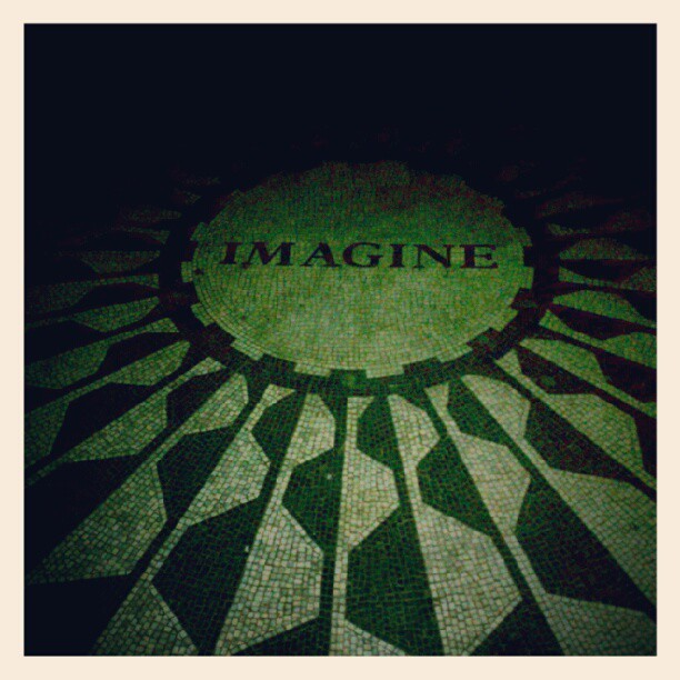 Imagined that. #NYC #MonkeySeeMonkeyDo #WonderingIsEncouraged  (Taken with Instagram at Strawberry Fields)