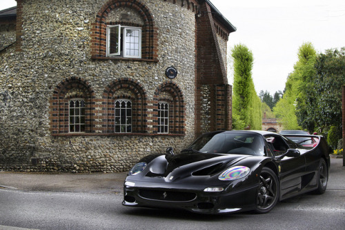 gdbracer:  Dark Horse. by Alex Penfold on Flickr. Dominant F50