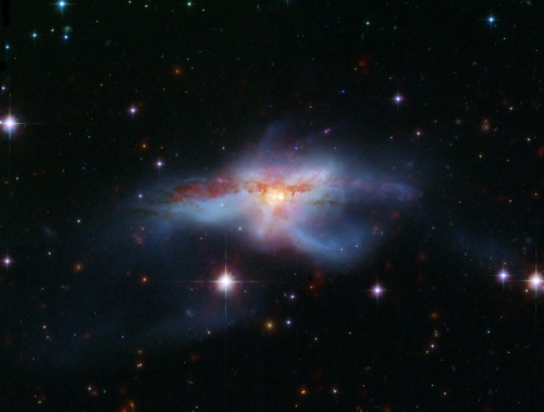 into-theuniverse:  NGC 6240: Merging Galaxies