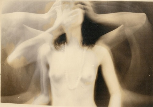 myideabox:  ghostly images of Joanna Pallaris