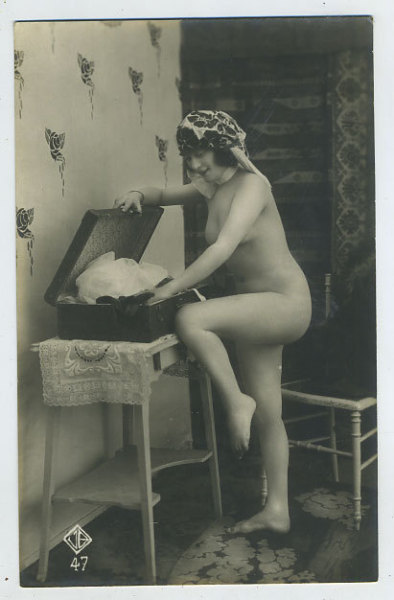 """Unpacking! Where did I put my undies?"" 1920s vintage risque postcard (that wallpaper!!)"