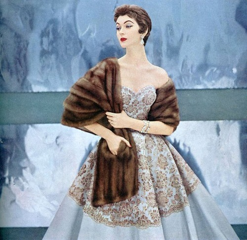 theniftyfifties:  Dovima in evening wear, 1950s.