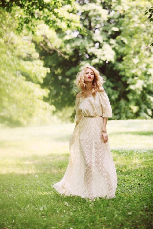 In the secret garden with Linda Vojtova by Anthony Nocella for Free People