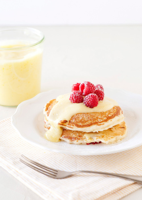 s-acred-spirits:  Lemon Raspberry Pancakes (S o u r c e)