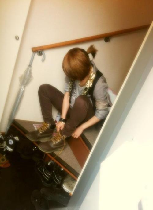 ONEW PHOTO @ BACKSTAGE photo not mine. cr to the owner.
