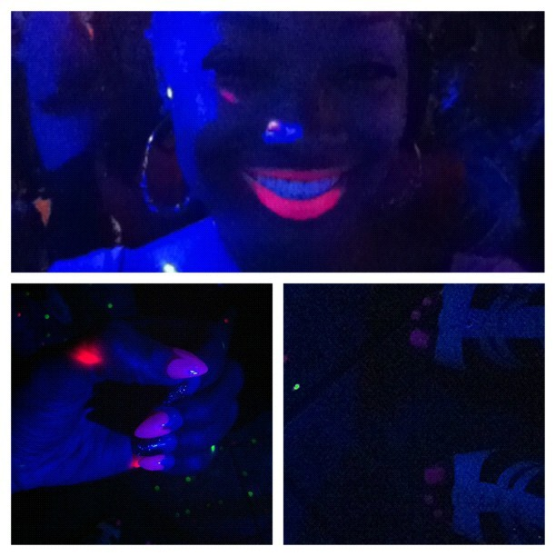 Everything pink! 💋 glowing in the black light! Ladies get your make-up up!!! (Taken with instagram)