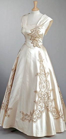 Gown Worn by Queen Elizabeth II Norman Hartnell