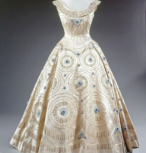 omgthatdress:  Dress Worn by Queen Elizabeth II 1950s