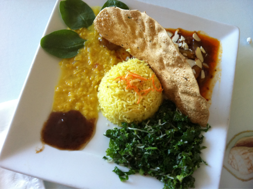 Sri Lankan Food @ Pearl of the ocean in Santa Cruz. Coconut Kale, Ginger Rice and Mango Curry. <3 Delish!