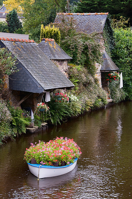 travelingcolors:  The Washhouses of Pontrieux in Brittany | France (by Yann Le Biannic | via the AMAZING visitheworld)