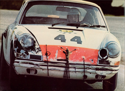 Don't give up Porsche 911, photo from 1972 brochure