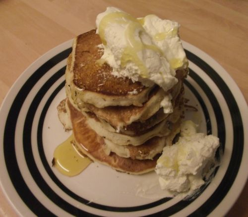 #SundaySupper Heritage - Drop Scones. Made decadent with whipped cream and golden syrup :)