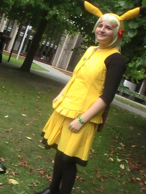 Yay, an old cosplay! Pikachu! Cosplayed to Christchurch Armageddon … err, two years ago? (I have since pulled this cosplay apart ;w; )