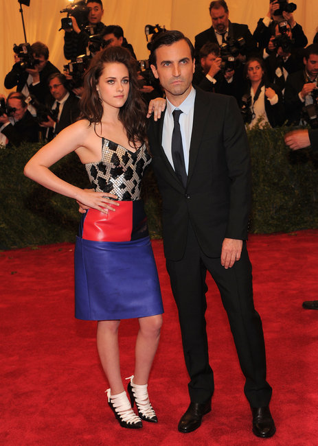 KRISTEN STEWART AT THE 2012 MET BALL WITH BALENCIAGA DESIGNER NICOLAS GHESQUIER.