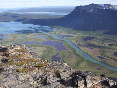 Rapa Valley in Sarek. Photo taken from the top of Skierfe with a height difference of almost 700 meters to the bottom of the valley.