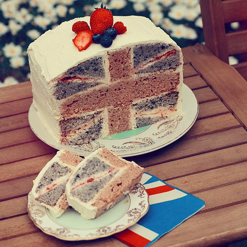 darlingdreamingtree:  anotherdirectionn:  British cake•