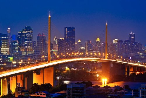 Rama VIII Bridge. This was taken from a few blocks closer than my apartment.Pretty sweet