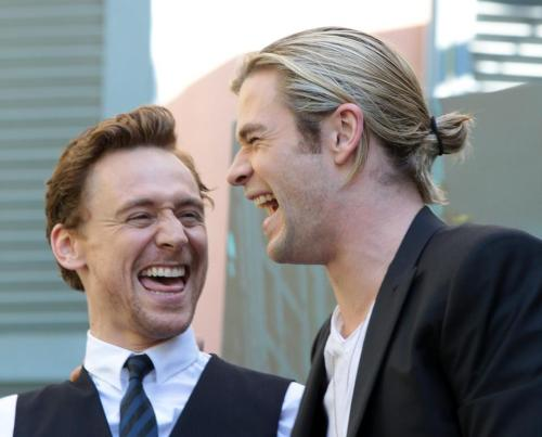 Um… Chris? Is he crying? Or laughing? Tom's doing both. I think. I'm not really sure what that face means.