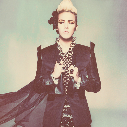 3/100 photos of g-dragon