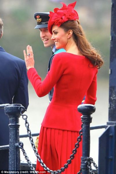 abraveminimiddleton:  Duke and Duchess of Cambridge at Royal barge for Queen's Diamond Jubilee river pageant on 3 June 2012, London, UK